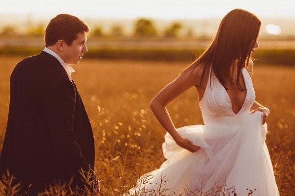 Hochzeitspaar Bilder: Hochzeitsbilder vor dem Sonnenuntergang! Verträumte Motiven & Ideen für die Bilder deiner Hochzeit © Hochzeitsfotograf Köln