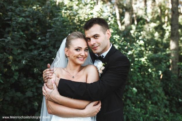 Hochzeitsfotos Posen: Klassische, traumhafte Hochzeitsbilder! Fabelhafte Posen-Ideen für unvergessliche Wedding- Fotos © Hochzeitsfotograf Köln